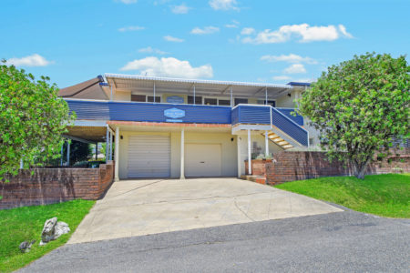East Point Holiday Home, 5 EAST STREET, CRESCENT HEAD NSW 2440